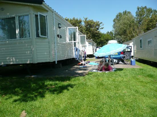 Waterside Holiday Park & Spa : Chesil caravan