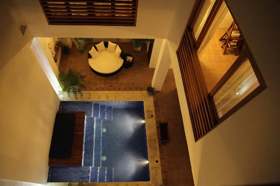Pool and lounge/dining/bar area at La Casa del Agua