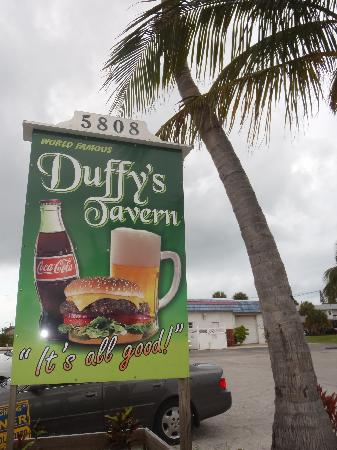 ‪Duffy's Tavern‬