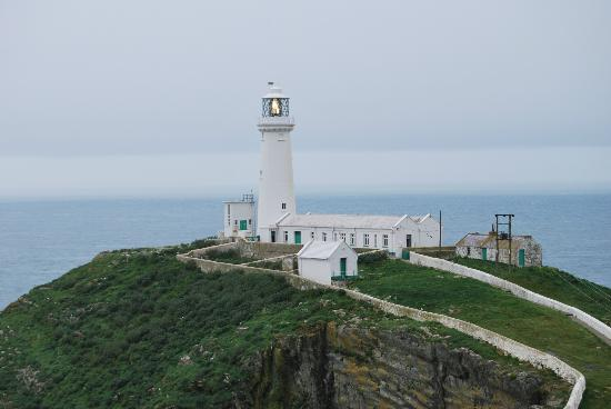 Nant Yr Odyn Country Hotel & Restaurant Ltd: South Stack Lighthouse