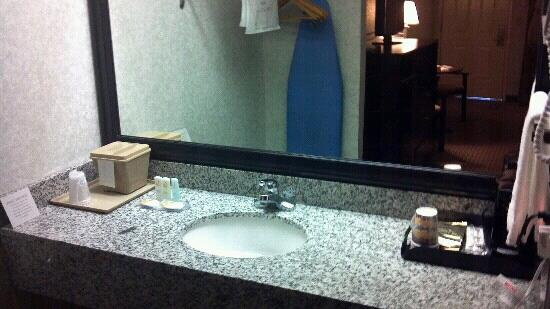 Quality Inn: 202 (1)