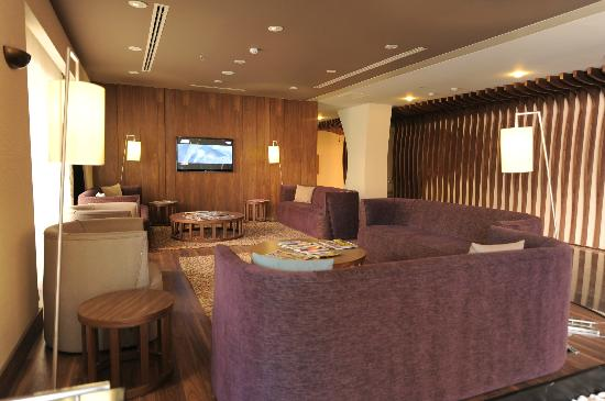 Adana Plaza Hotel : otelin lobisi