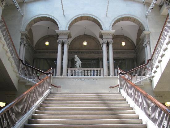 Picture Of The Art Institute Of Chicago Chicago Tri