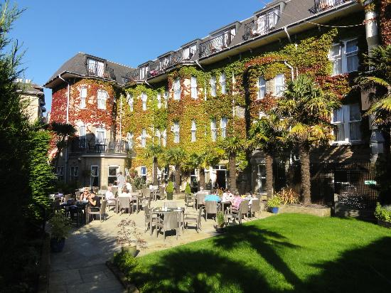 BEST WESTERN PLUS The Connaught Hotel: terrace