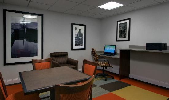 Hampton Inn Ft. Wayne-Southwest: Business Center