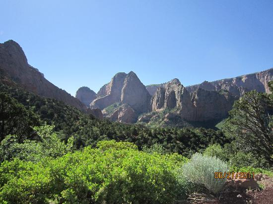 Kolob Canyons: Blue Sky!