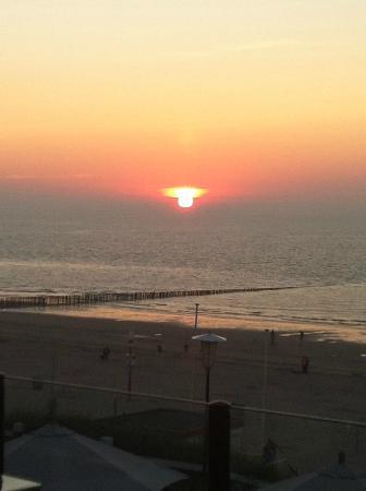 Hotel de Blanke Top: Zonsondergang vanaf het balkon