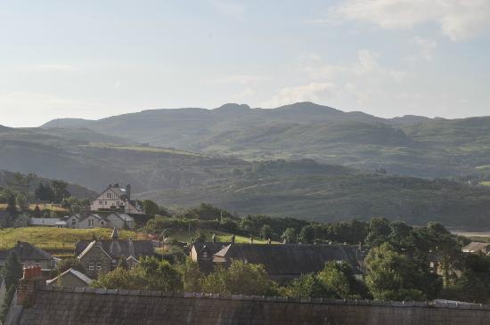 Wenallt Guest House: View South from Wenallt