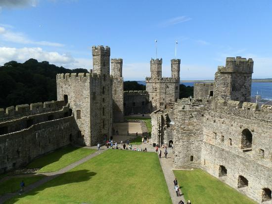 Archaeotours Day Tours: Caernarfon Castle