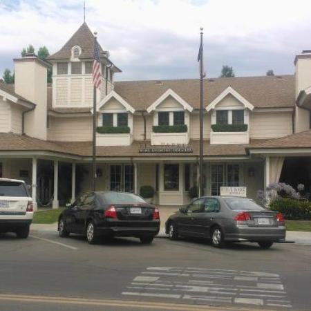 Fess Parker's Wine Country Inn and Spa: Front of Property