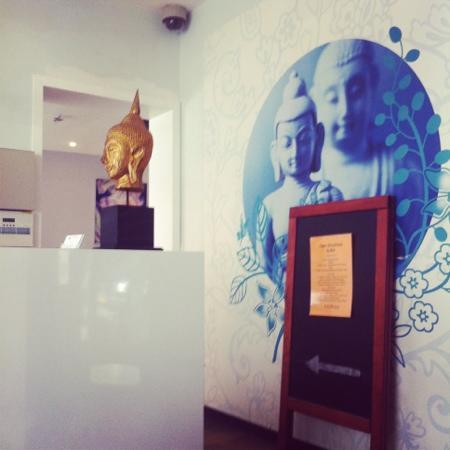 Acostar Hotel: Eingangsbereich und Rezeption