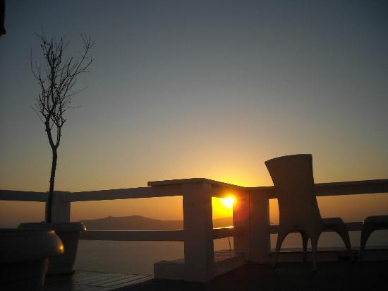 Hotel Thireas : Puesta de Sol desde la terraza de la habitación