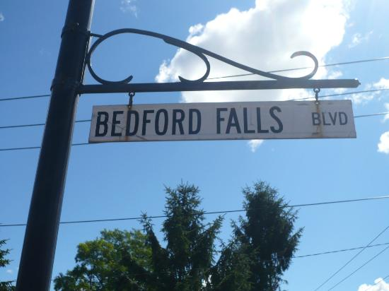 VanCleef Homestead Bed and Breakfast: This is the real Bedford Falls!