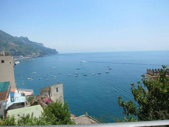 E Poi Ravello: Looking off the Terrace