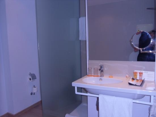Be Live Adults Only Costa Palma: bathroom