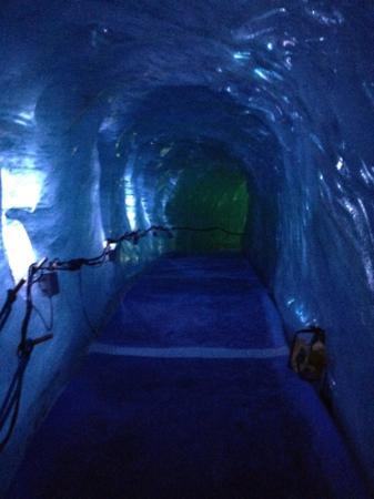Montenvers Train - La Mer de Glace: inside the ice tunnel