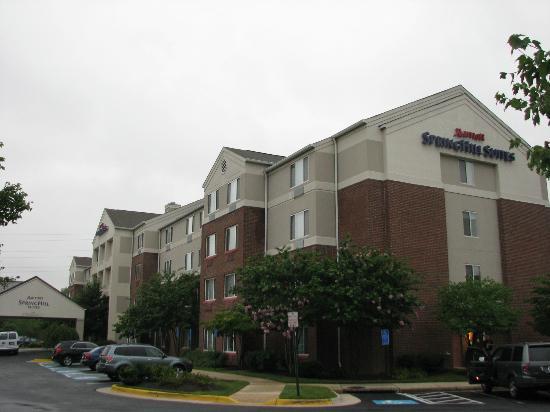 SpringHill Suites Herndon Reston: Vue extérieure de l'hôtel