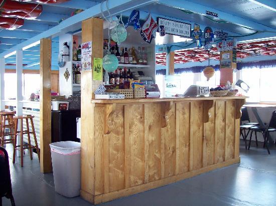 Au Sable River Queen: Upper level snack bar