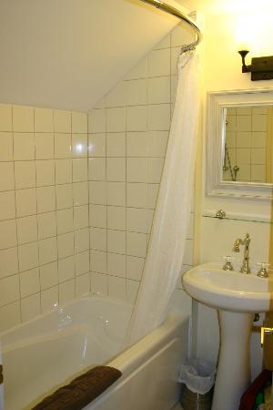 Bayside Inn : Bathroom