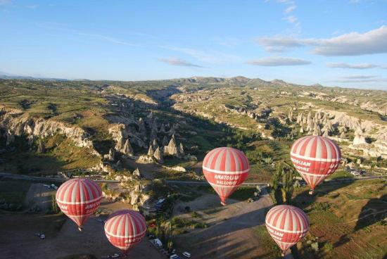 Anatolian Balloons: Flying Together