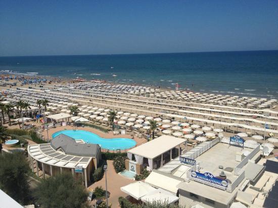 Club Hotel Riccione: Vista mare....