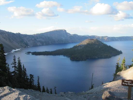 Woodsman Country Lodge: Crater Lake