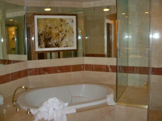 Venetian Hotel Room Service