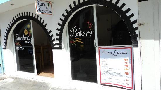 Pane e Focaccia: ITALIAN BREAD, PIZZA, CROISSANT........