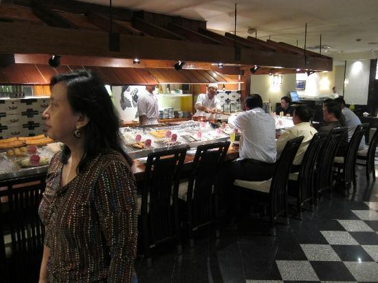 Keyaki: The sushi bar is always busy