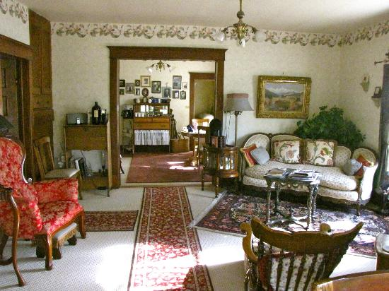 Gilded Pine Meadows Bed and Breakfast Picture