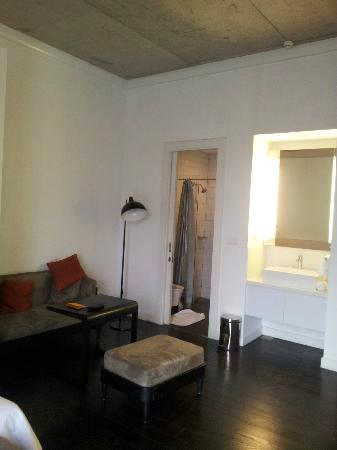 Morrissey Hotel Residences: room