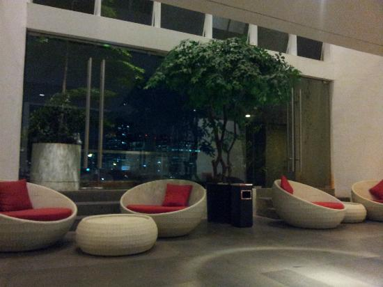 Morrissey Hotel Residences: Sky Garden at 5th Floor