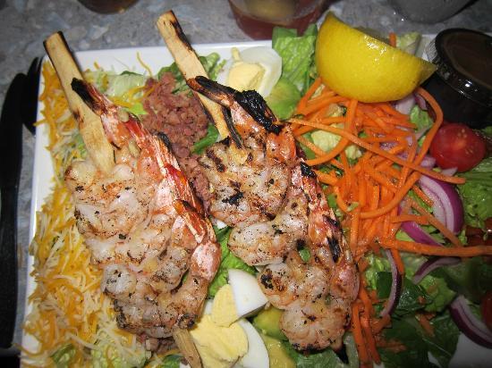 Red Parrot Restaurant: Cobb salad with grilled shrimp