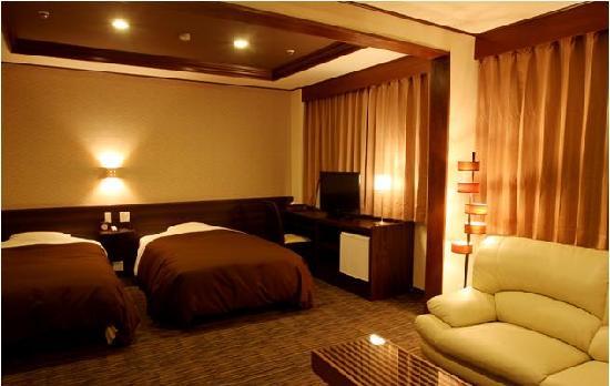 Hotel New Tanda: ホテルニュータンダ ロイヤルツイン