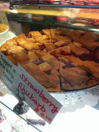 Granville's Coffee: Strawberry Rhubarb Pie