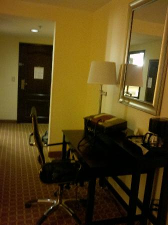 Comfort Suites Clinton: Room
