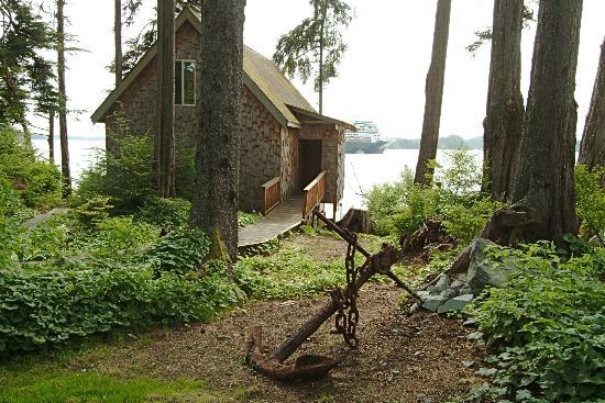 Dove Island Lodge: Halibut Hole Cabin