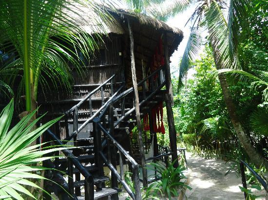 Om Tulum Hotel Cabanas and Beach Club: room up stairs 