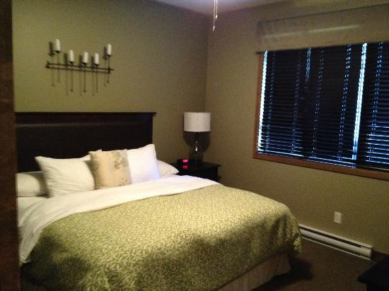 Bighorn Meadows Resort: 2nd Bedroom Rm 714