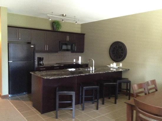 Bighorn Meadows Resort: Kitchen in rm 714
