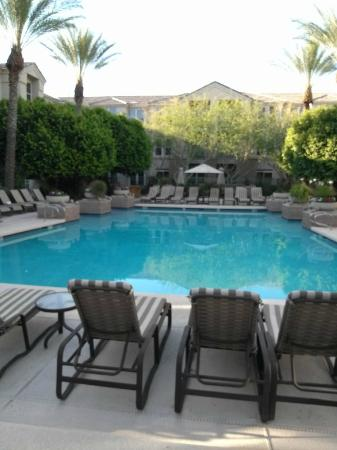 Gainey Suites Hotel: Hotel Courtyard and Pool