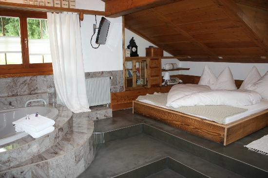 Silvi's Dream Catcher Inn Guesthouse: Sonnengruss room