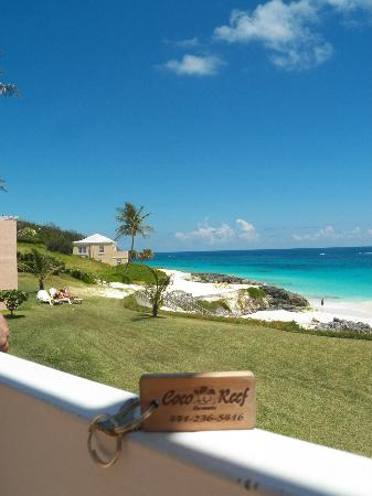 Coco Reef Resort Bermuda : looking out on the patio