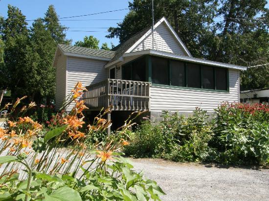 Angel Rock Cottages: Green Cedars Cottage #6 Cape Vincent, NY