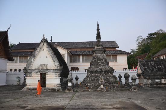 Wat Mai Suwannaphumaham: สภาพภายในวัดใหม่ฯ