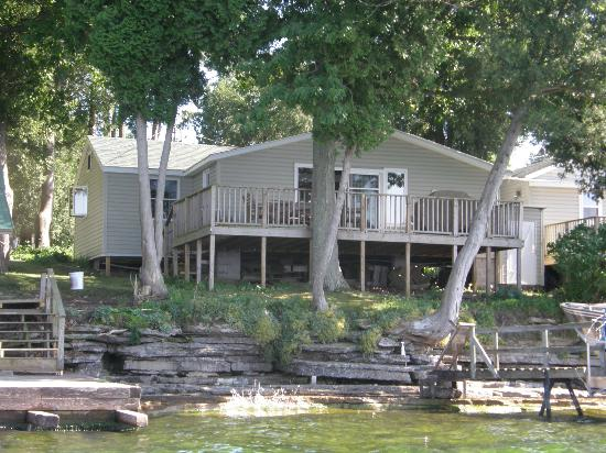 Green Cedars Cottages: Cottage #1