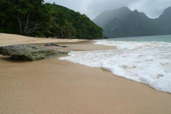 El Nido Resorts Lagen Island: Beauty of Helicopter Island 