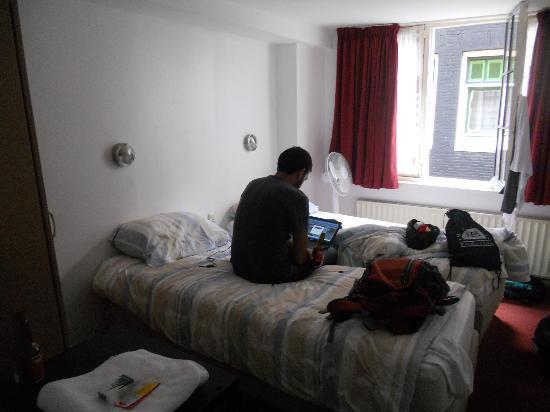 Hotel Torenzicht: Panorámica de la habitación