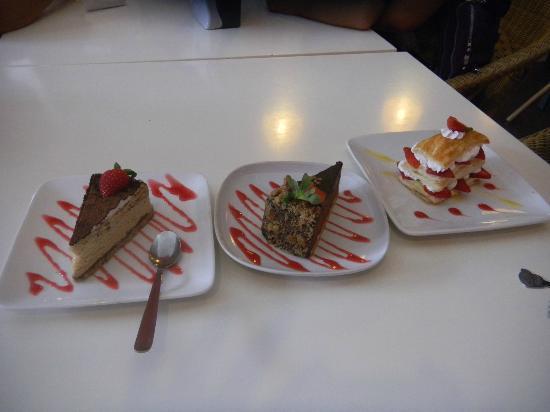 Strawberry Moment Dessert Cafe : many varieties dessert