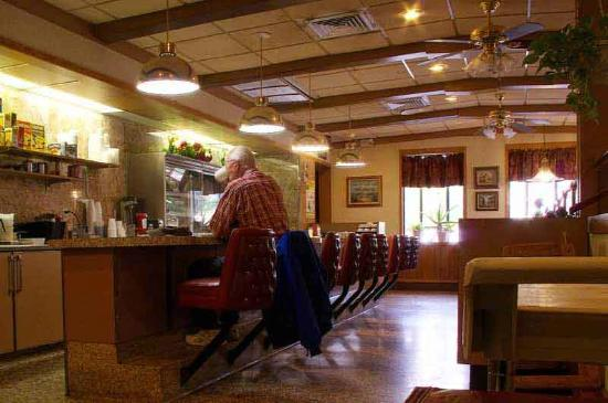 Ravena Diner & Restaurant: A View of the Counter